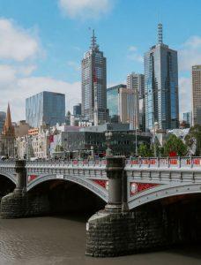 Leiebil & bilutleie i Melbourne