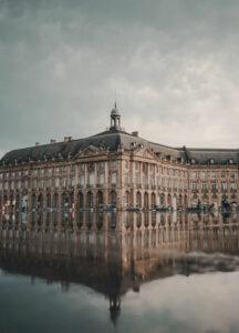 Leiebil & bilutleie i Bordeaux